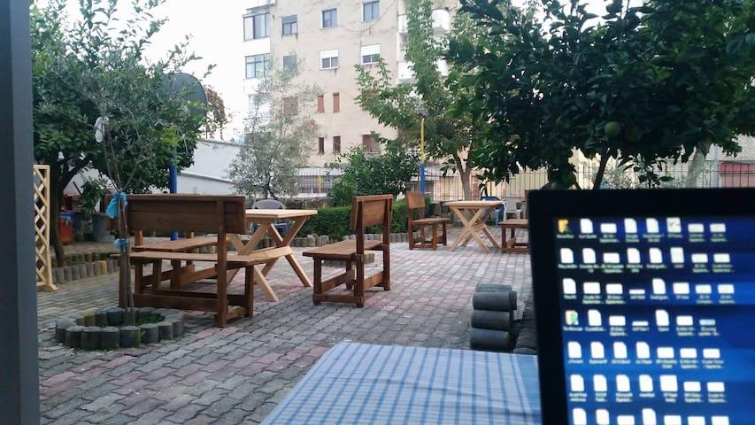 BESO Guest House Berat - Berat - Дом
