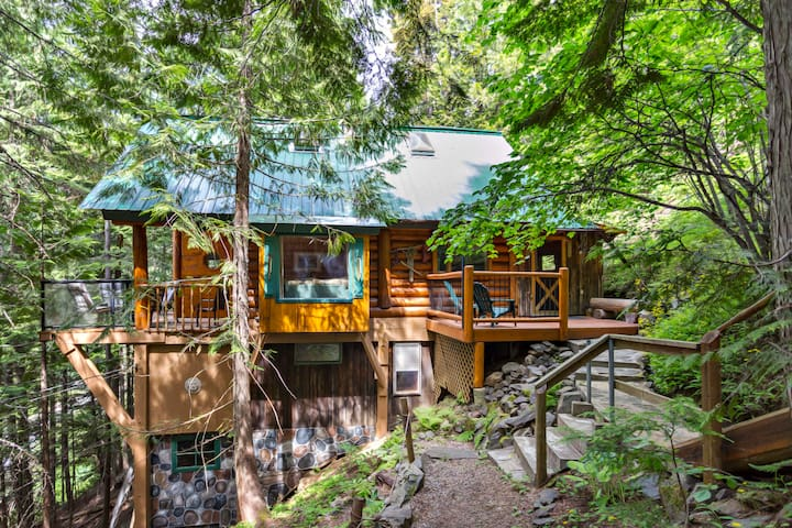 Private Mountainside Log Cabin, 10mins from Nelson