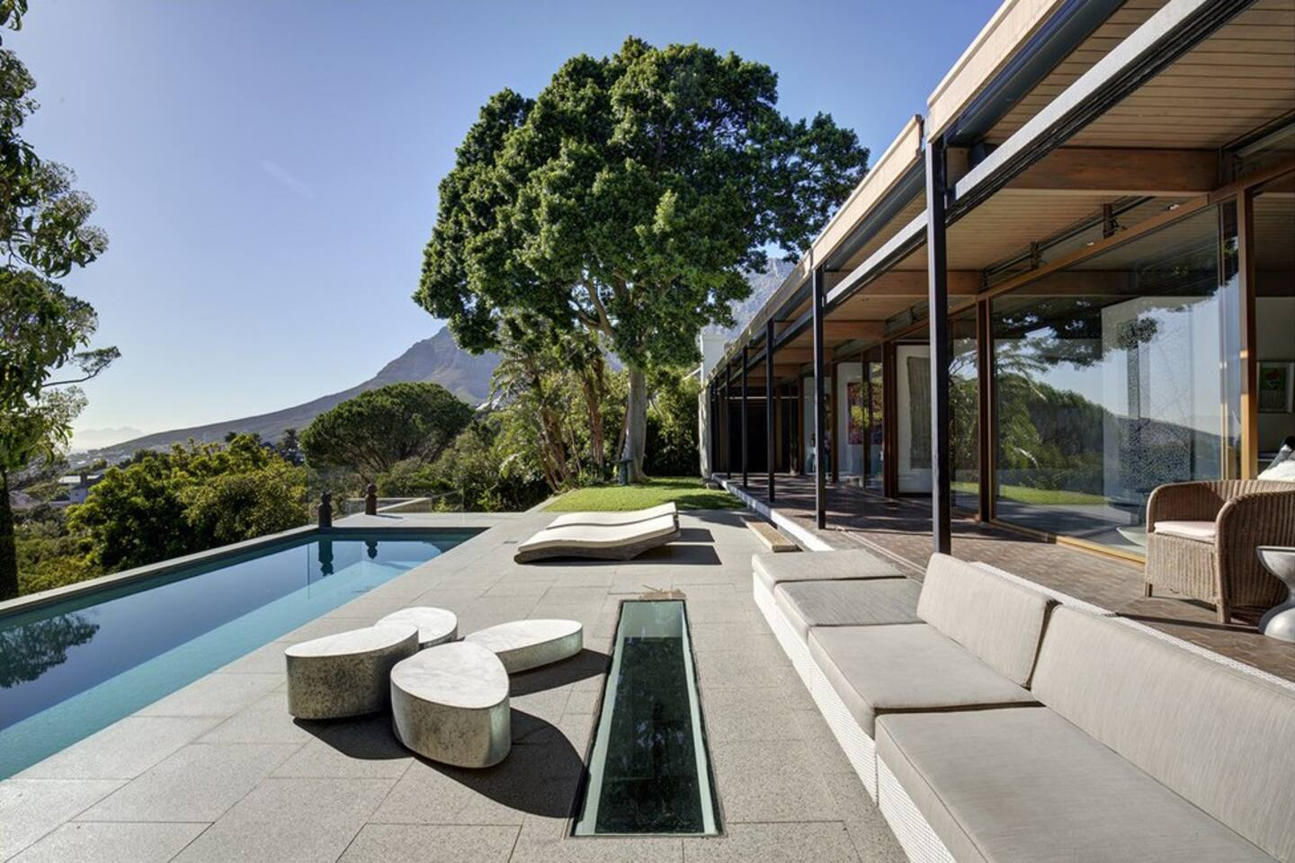 Exquisite Luxury Villa In Higgovale Houses For Rent In Cape Town - House cape town amazing infinity pool