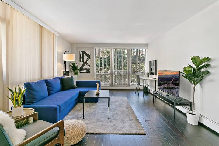 Minimal & Modern 2BR Oak Park Apt Great location