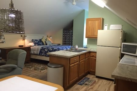 Garage studio apt (beach/pool/golf) - Pawleys Island