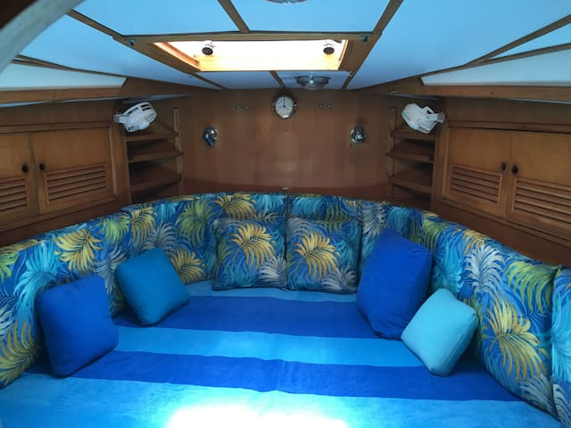 Forward V-berth cabin for two additional guests. New bolster cushions and pillows!