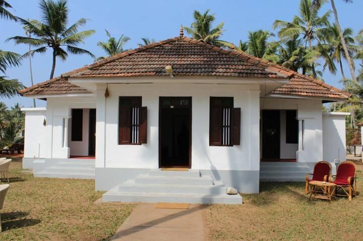 Vibes beach house odayam beach varkkala - Thiruvananthapuram - Dům