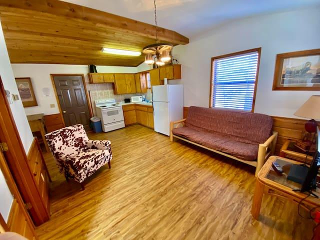 Cowboy Cabin #6 - Rocky Point Cabins