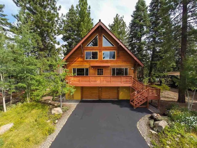 Classic North Tahoe Log Cabin: Fenced Yard and Spa