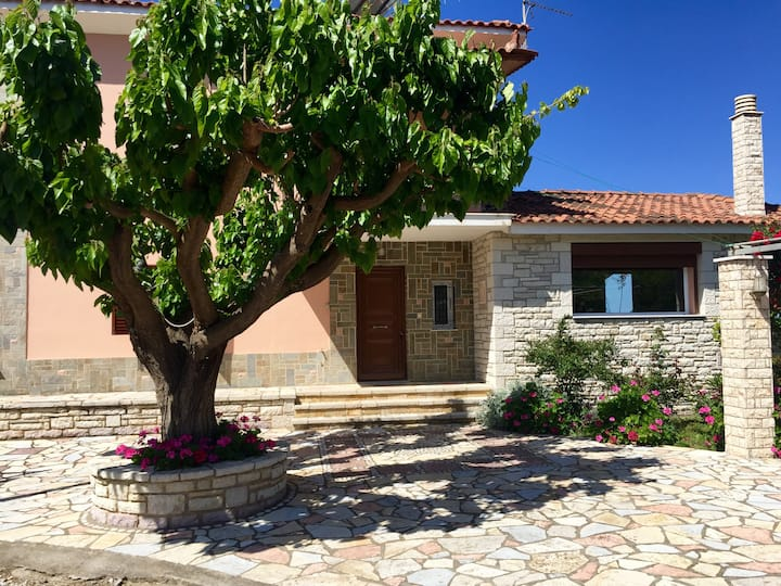 Beautiful private home in Zacharo