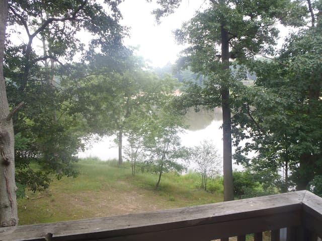 Cute Beachfront Guest Unit on Lake  - Saugatuck - Apartamento