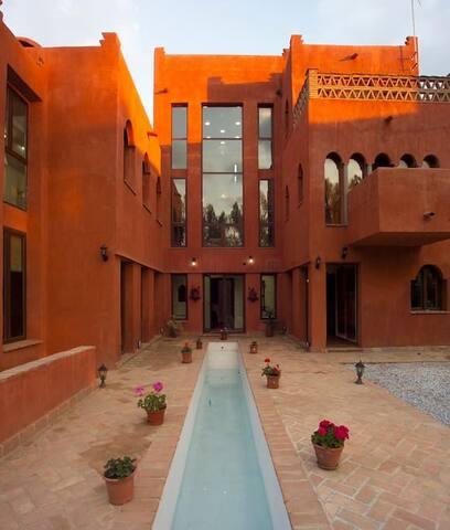 Casa Kalyana(Loft 8 prs.)