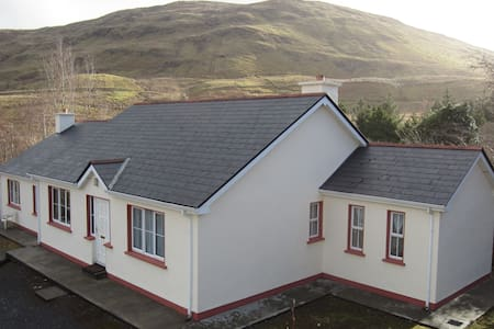 Killary Fjord Apartment - Leenane