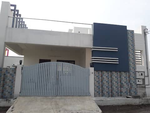 uHomeMe 1 bed & bath rooftop room near IT Parks