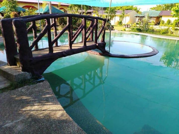 Room 3 (Casa Reyes Resort & Events Place)