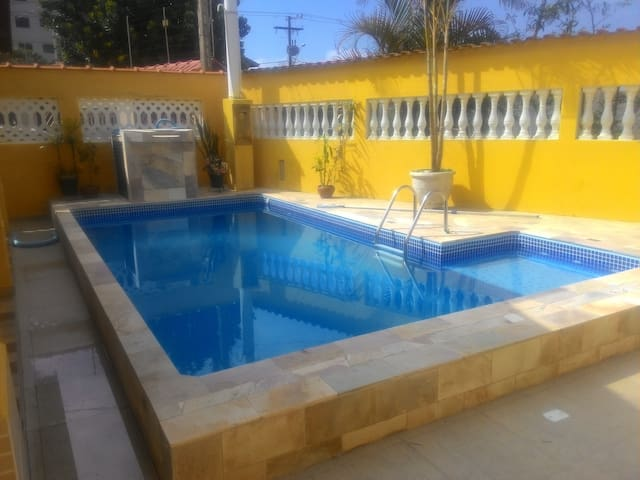 Casa Lado Praia  com Piscina - 50m da Praia