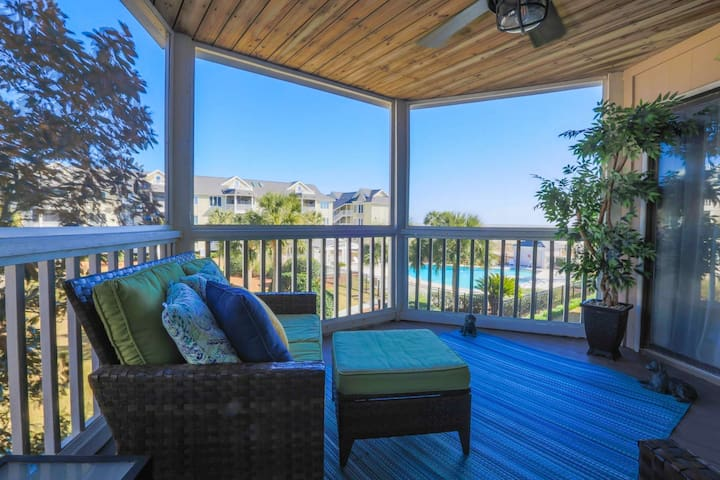 You'll love having your morning coffee or an evening cocktail on our second story screened porch!