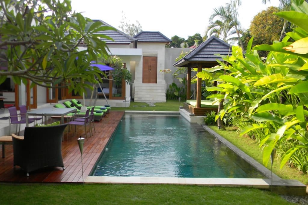 Pool & Villa Overview