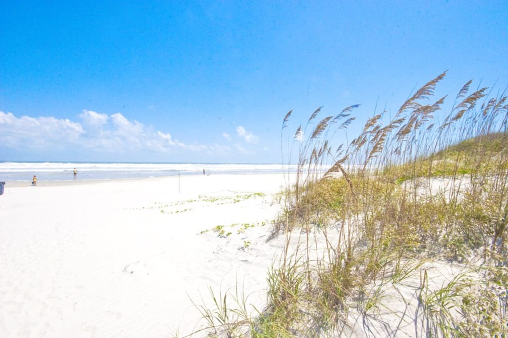 A Florida beach vacation is a beautiful thing! Enjoy a leisurely stroll or energizing jog along the crystal blue water on Crescent Beach.