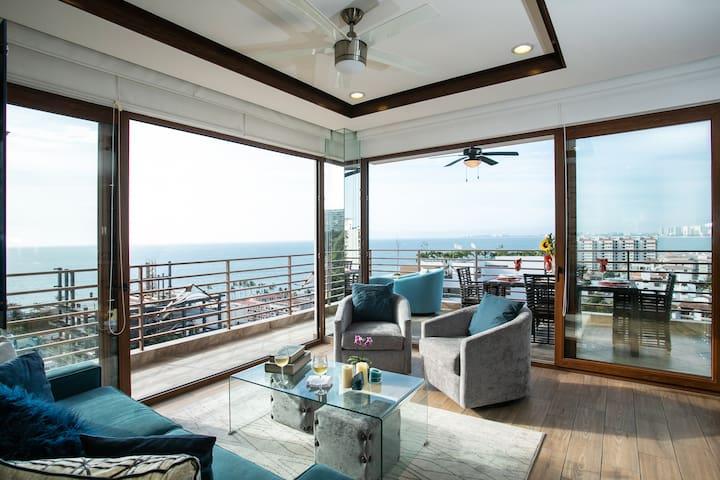 R503 1 bed 2 bath Ocean View Corner Suite
