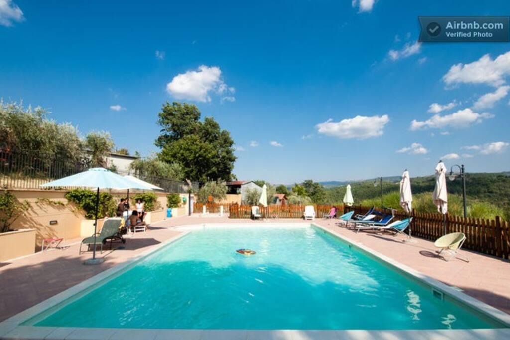 piscina in condivisione con altri ospiti