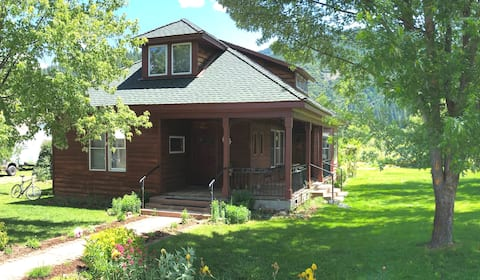 Historic Taylorsville House in Northern Sierras
