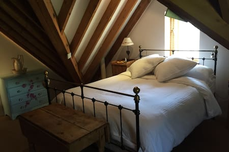 Comfortable quiet double room - barn conversion - Oxfordshire - Rumah
