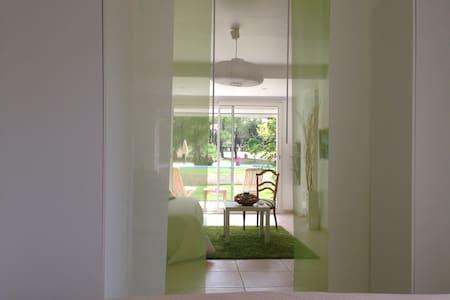 Appartement clair et calme campagne - Simiane-Collongue