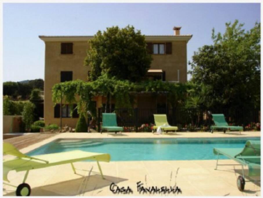 Mini villa avec piscine villas louer serra di ferro for Villa avec piscine corse