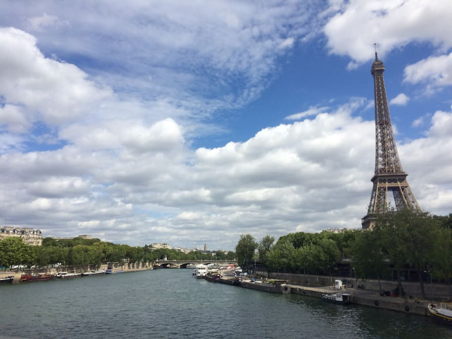 Eiffel tour & the Seine are only 10 minutes away from home. You can easily enjoy the sunsets during your stay.