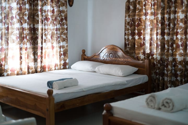 budget room near airport for $10 - Negombo - Wohnung