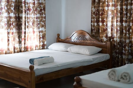 Private room near airport for $10 - Negombo - Wohnung