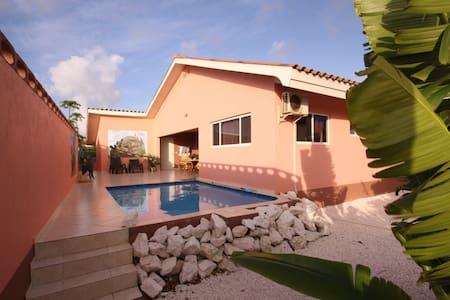 Villa Iguana, 100% privacy - Wijk Daniel / St. Willibrordus