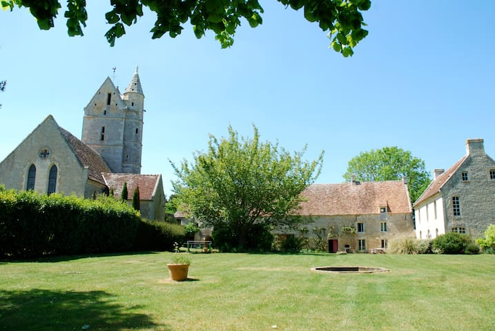 LargeManor+PrivatePool inNormandy - Olendon