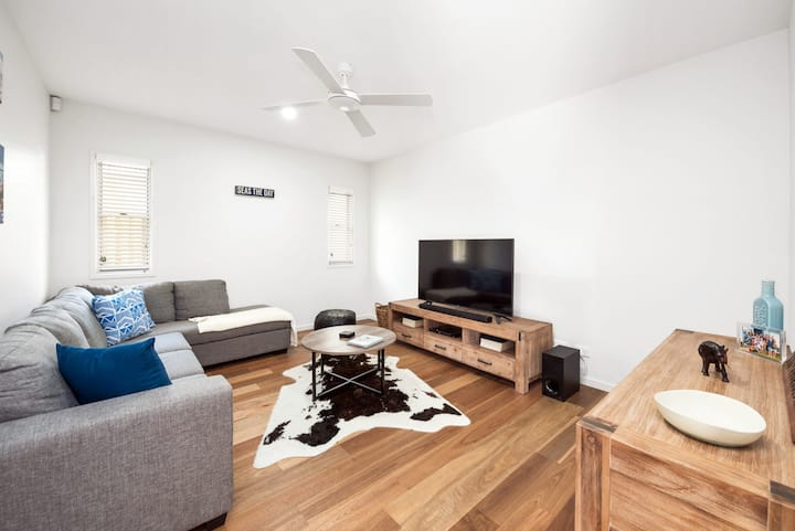 Pet Friendly, new house Peregian Breeze Drive, Peregian Beach