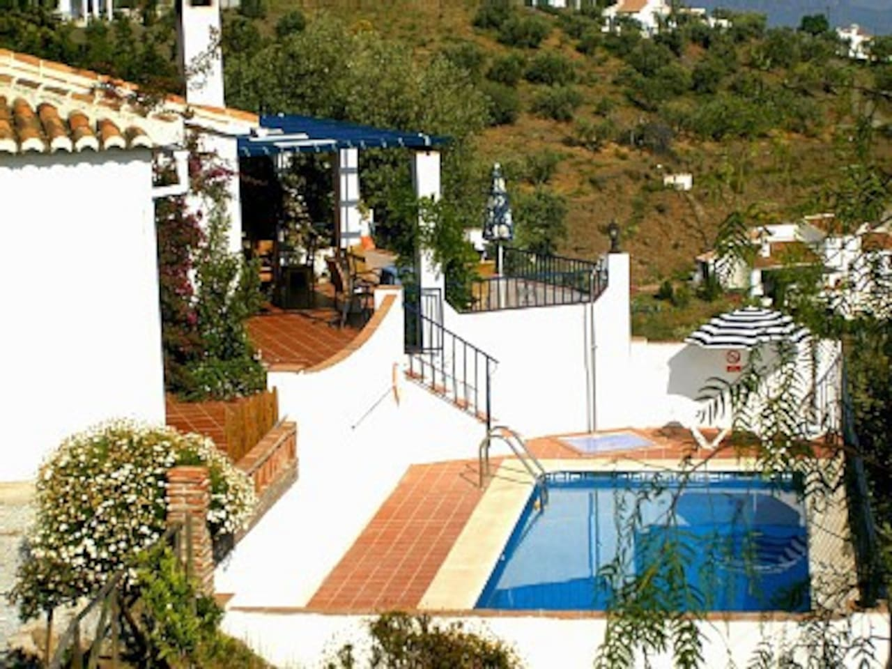 Wonderful restored villa with pool commanding views to the coast