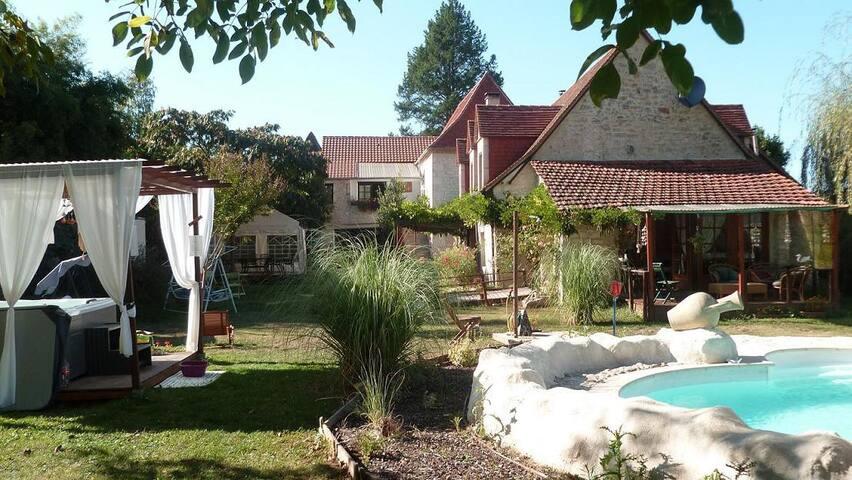 Artésienne : Chambres+Table d'hôtes - le roc - Bed & Breakfast