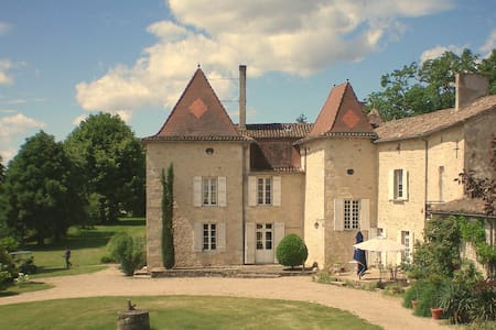 B&B in the Château de Mondésir