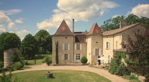 B&B in the Château de Mondésir