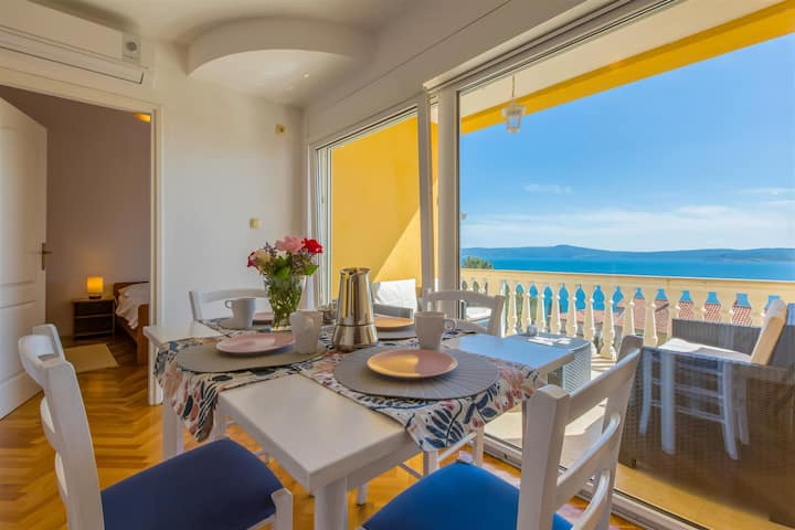 Holiday apartment for 4 persons close to the sea