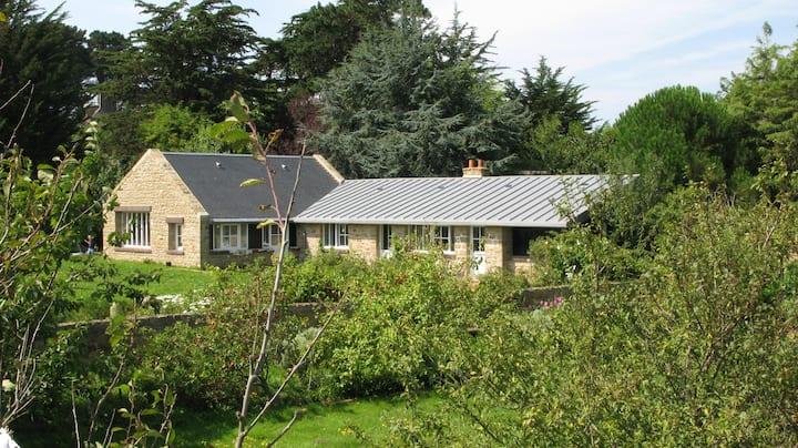 Maison avec jardin, île de Bréhat