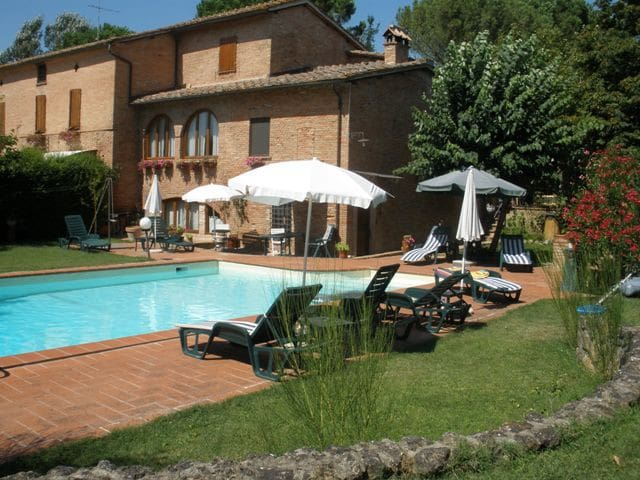 Apartment with swimming pool! - Siena - Apartamento