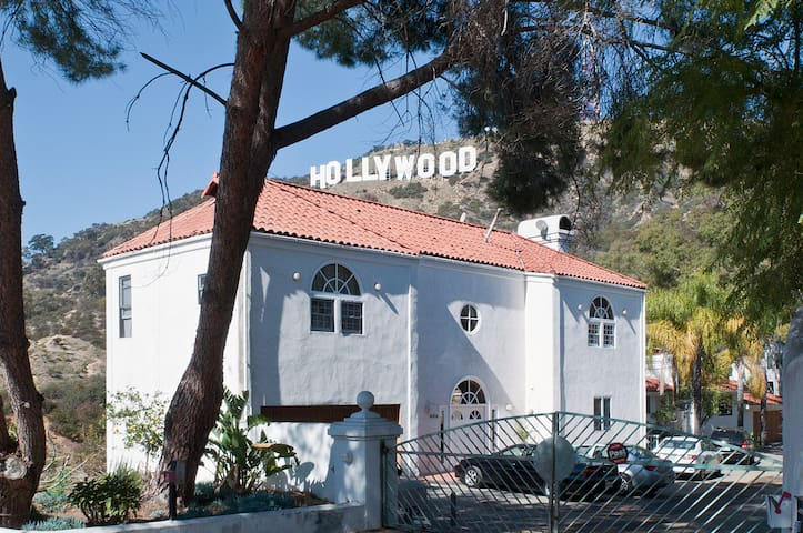 Amazing Gated Hollywood Hills House - Los Angeles - Talo