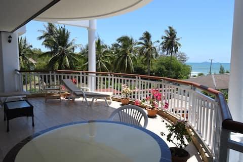V35, Lägenhet med havsutsikt på Dolphin Beach