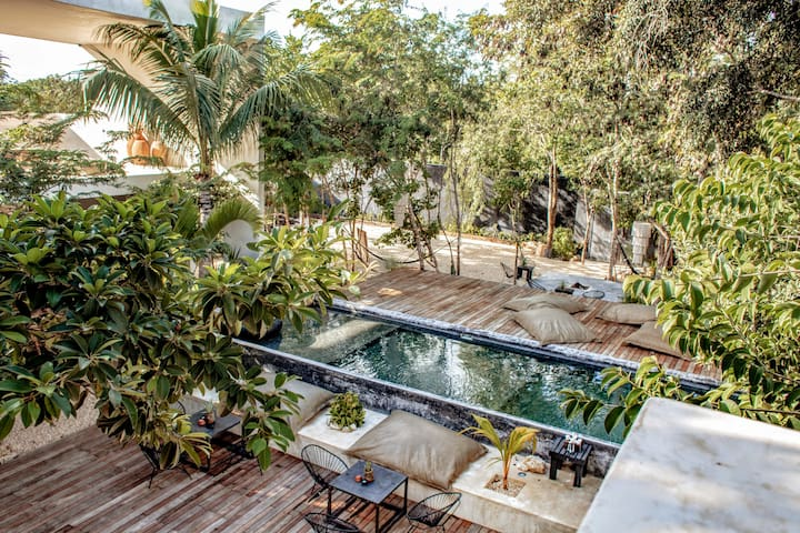 •||| 16TULUM  Design hideaway + Concierge services