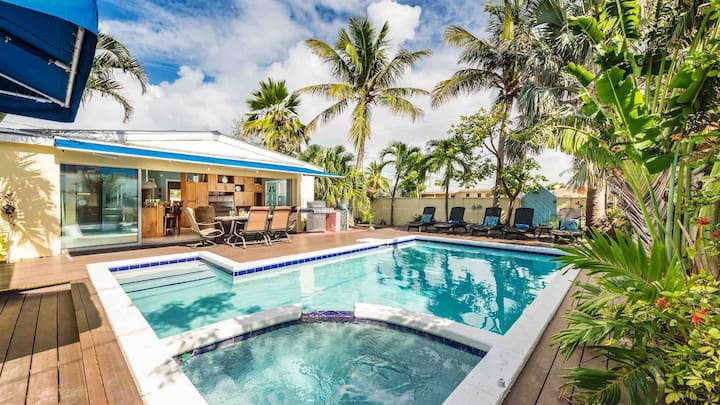 **HERE COMES THE SUN @ CASA MARINA** Home / Large Pool + LAST KEY SERVICES…