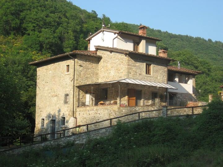 Campagna Toscana Mugello vicino Firenze