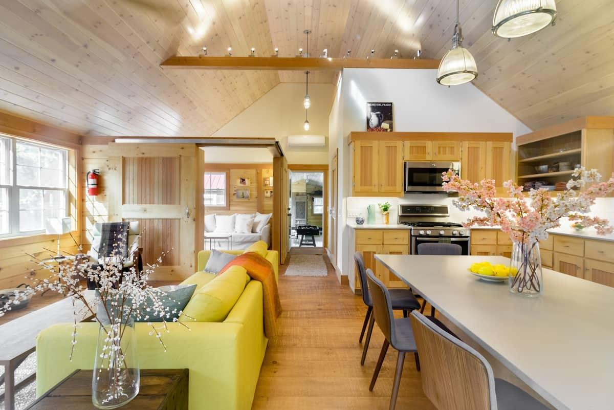 Unwind at a Stunning Catskills Cabin