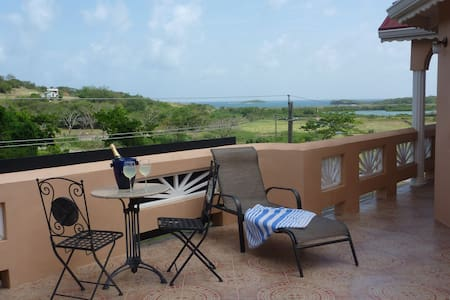 Bed and breakfast Holiday Apartment - Saint Georges