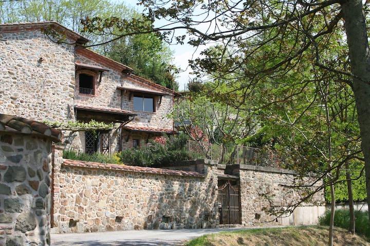 Exclusive Estate, sleeps 18+2, pool - Fosdinovo - บ้าน
