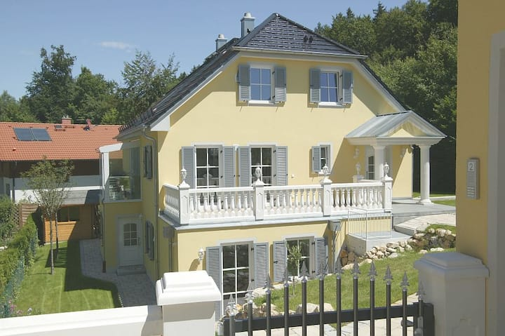 Nice Appartment 2 Persons Munich (up to 4 persons)