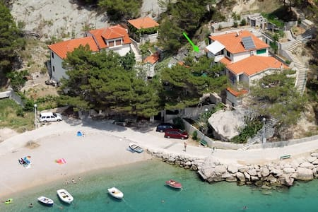No5 / 2 pers. - 30 sec to the beach - Brela - Bed & Breakfast