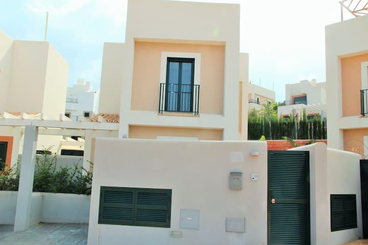 DREAM HOLIDAY HOUSE AT IBIZA BEACH