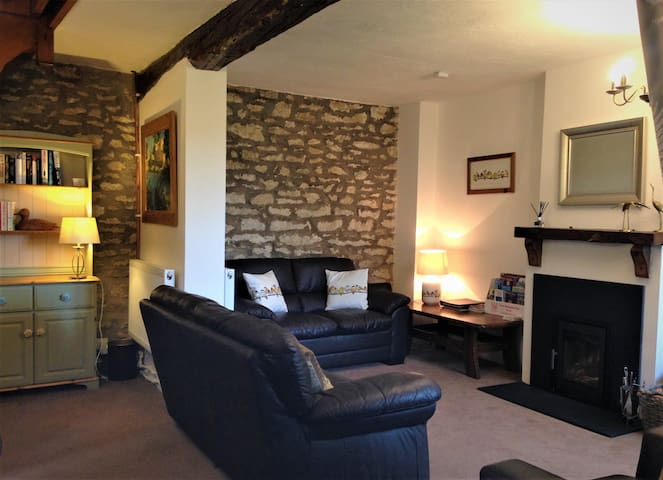 Bilsdale Cottage, dog friendly near Helmsley